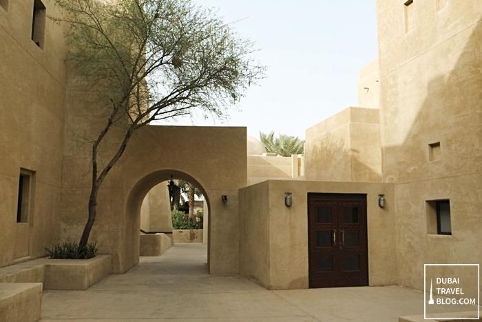 alleys in bab al shams dubai