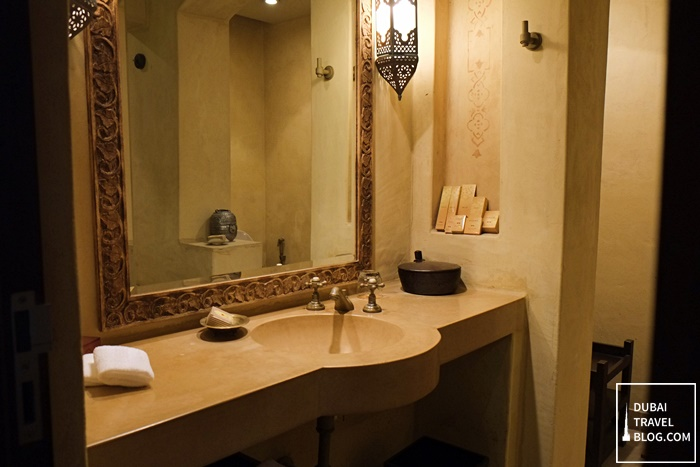 bathroom in bab al shams resort