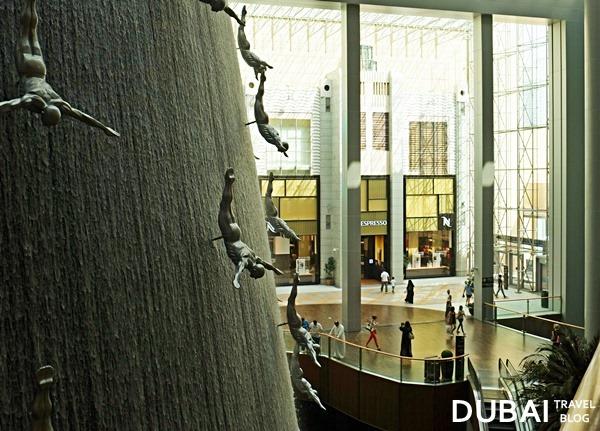 human waterfalls the dubai mall