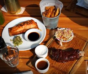 Outdoor Brunch at Fümé Restaurant in Downtown Dubai
