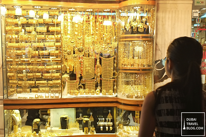 how to buy gold in deira gold market