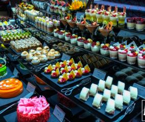 Art of Brunch at Fountain Restaurant in Movenpick Bur Dubai