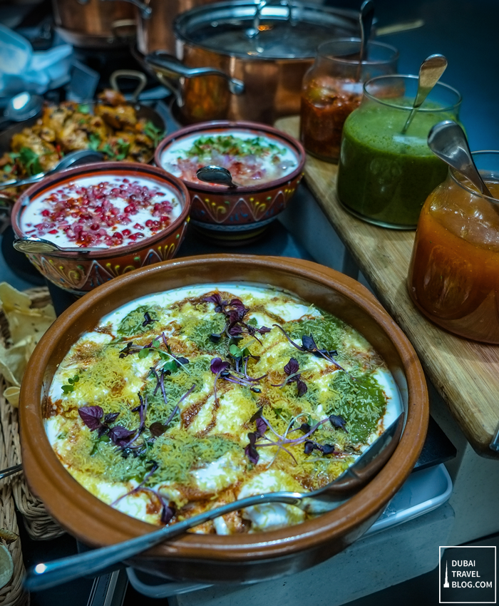 Art of brunch at fountain restaurant in movenpick bur for Art of indian cuisine
