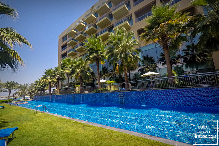 olympic pool rixos the palm
