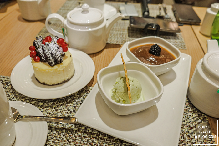 desserts-at-the-hilton-garden-inn-restaurant-dubai