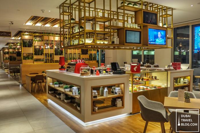 hilton-garden-inn-lobby-cafe