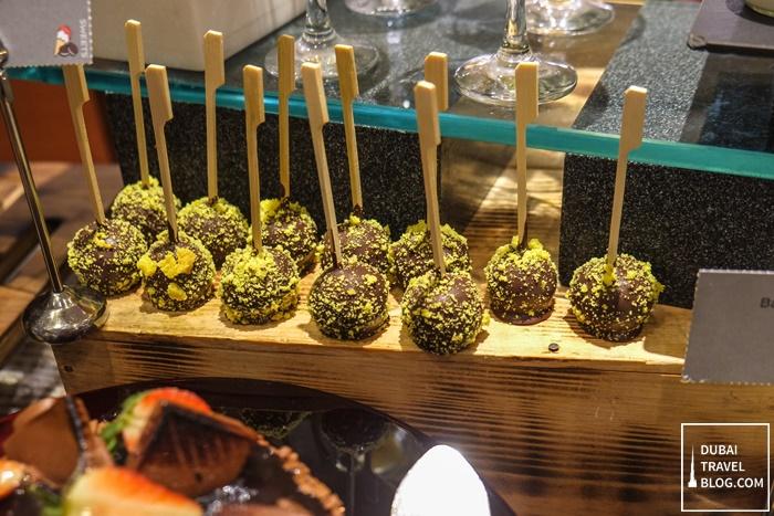 movenpick hotel bur dubai desserts