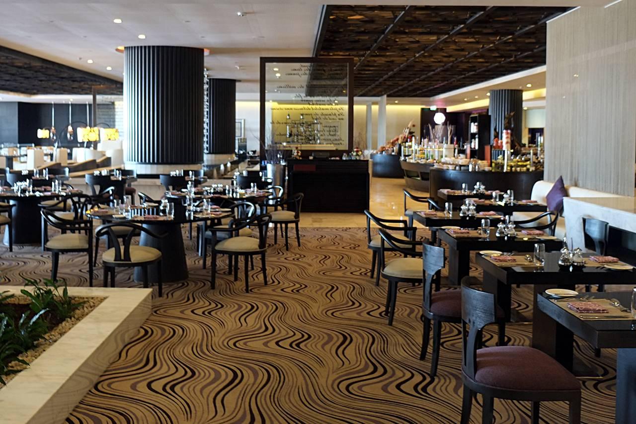 sofitel abu dhabi corniche restaurant