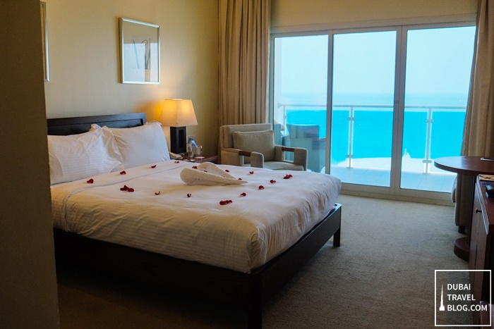 sea view room radisson blu fujairah