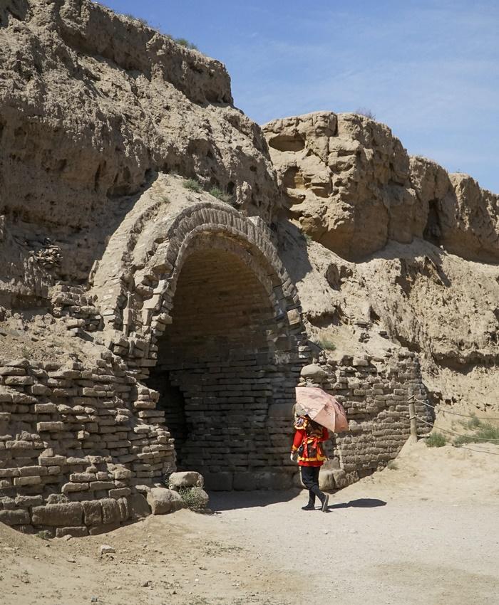 ancient troop hiding cave ningxia