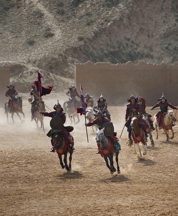 grand epic war horses show