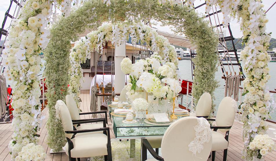 Perks of getting married on a yacht dubai travel blog stunning decorations junglespirit Choice Image