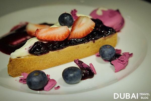 madeleine cafe dessert dubai mall