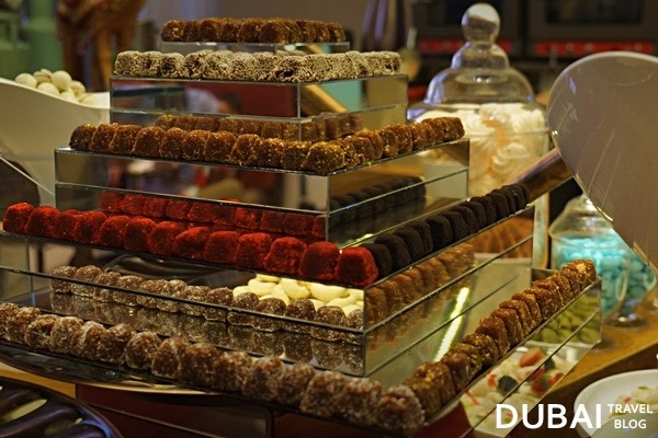 arabic desserts liwan restaurant