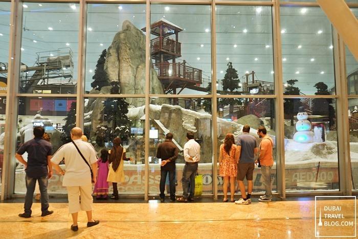 Mall of the Emirates view of ski dubai