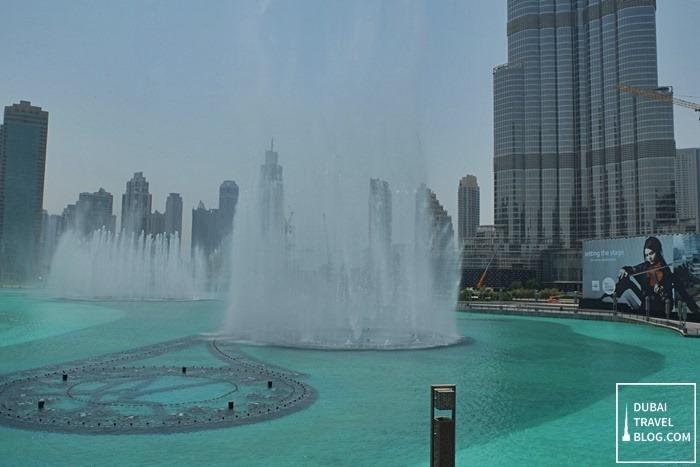 burj khalifa lake water fountain day