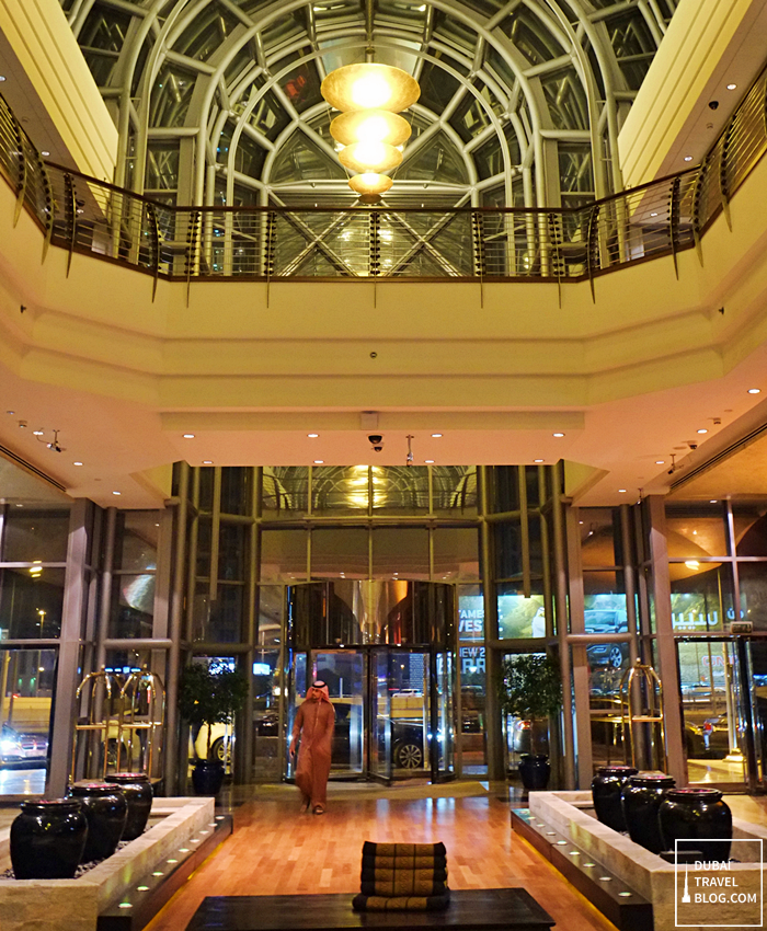 dusit thani hotel dubai lobby
