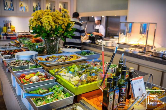 art of brunch buffet fountain restaurant movenpick dubai