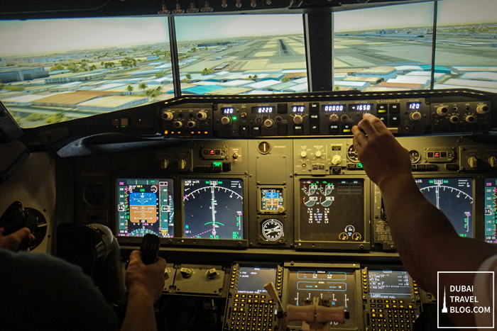 ipilot-dubai-mall-flight-simulator