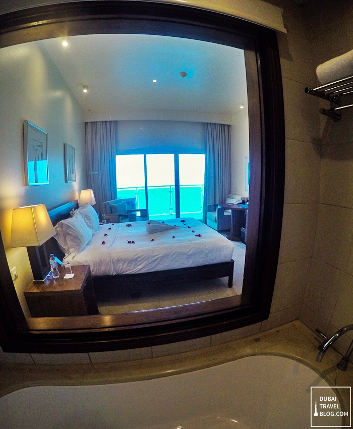 bathroom radisson blu hotel fujairah
