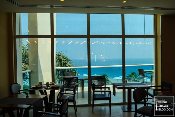 breeze restaurant radisson fujairah