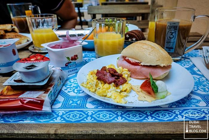 free breakfast al ponte del papa