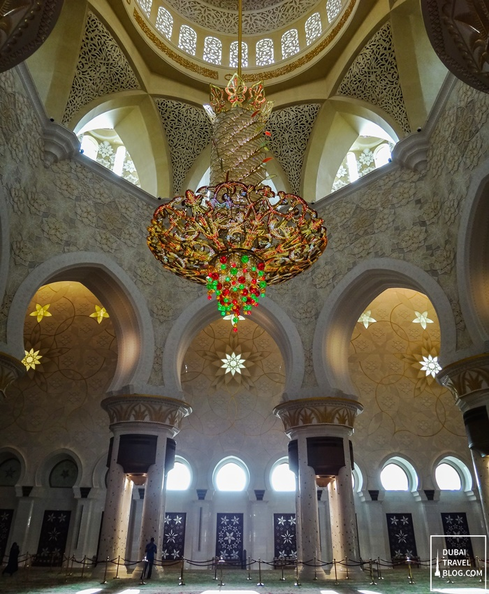 grand mosque abu dhabi inside photo