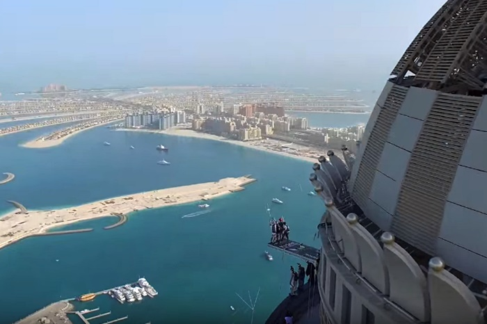 base jumpers dubai marina