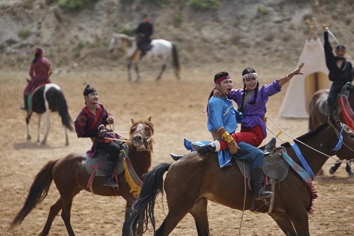 china grand epic war horse show