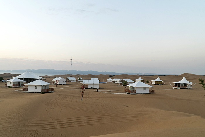 golden sand desert resort zhongwei ningxia china