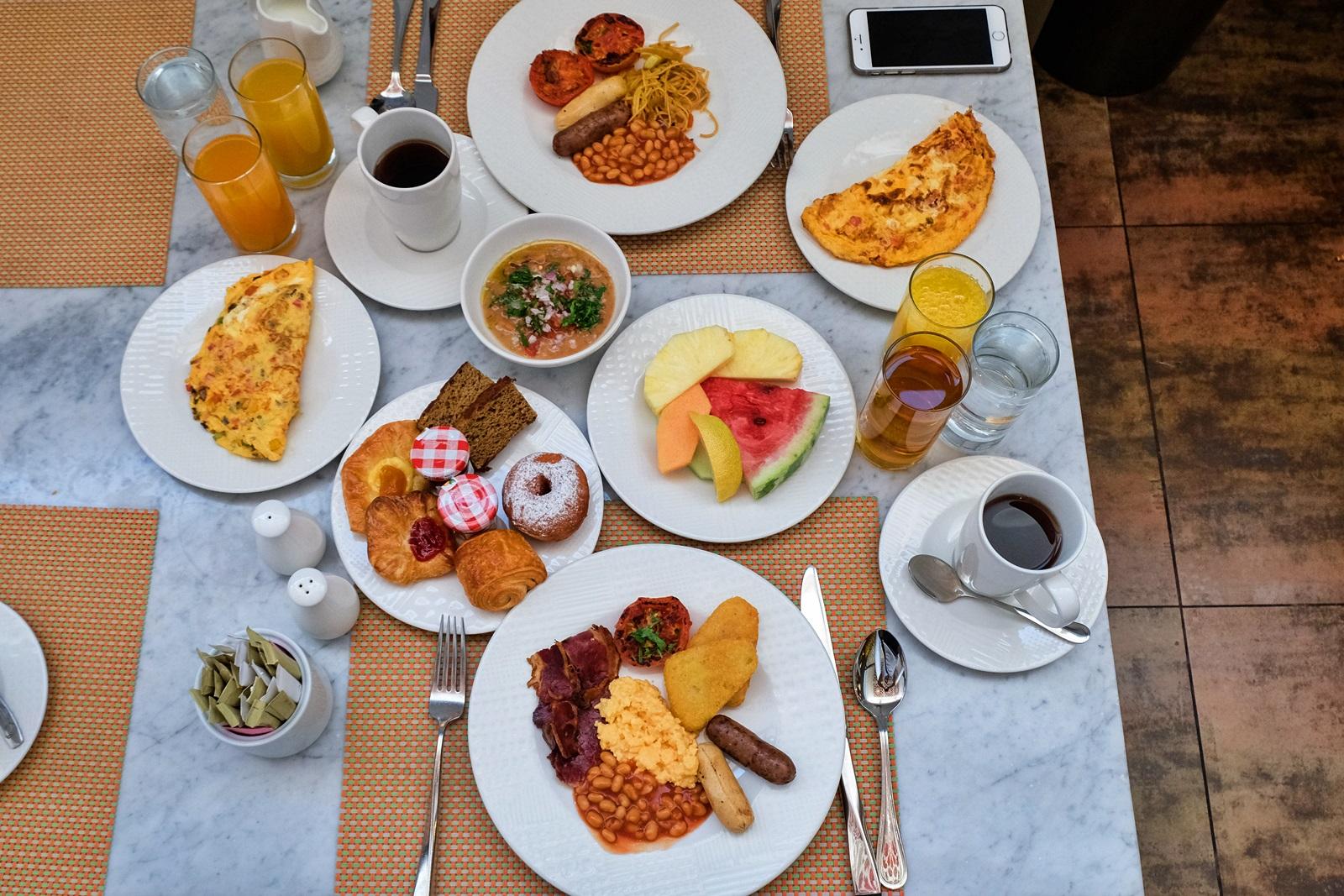 arabesque breakfast buffet