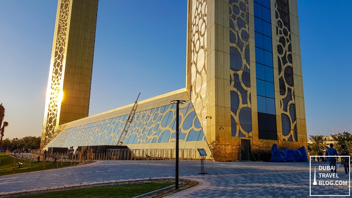 base of dubai frame