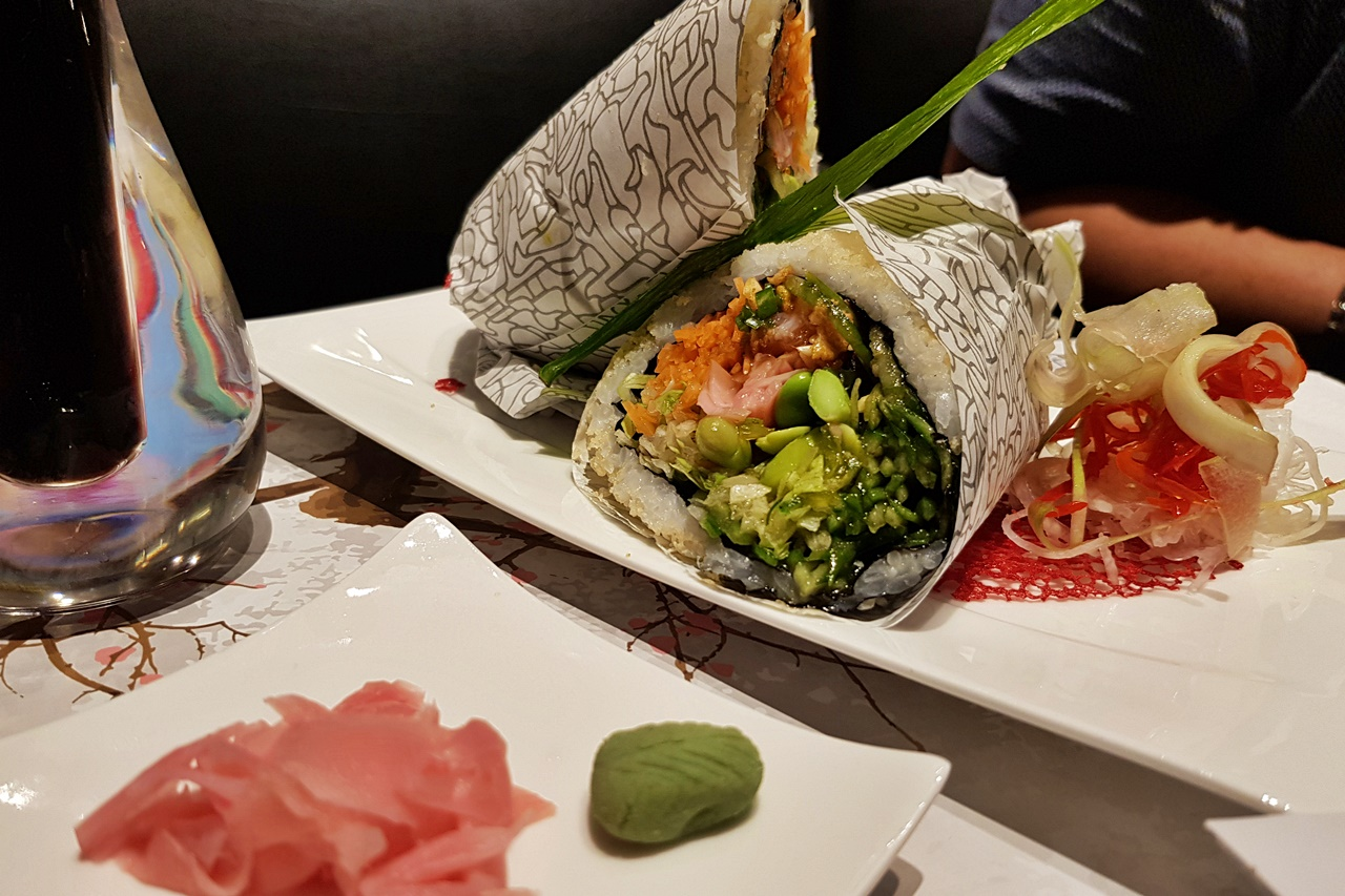 sushi burrito dubai photo