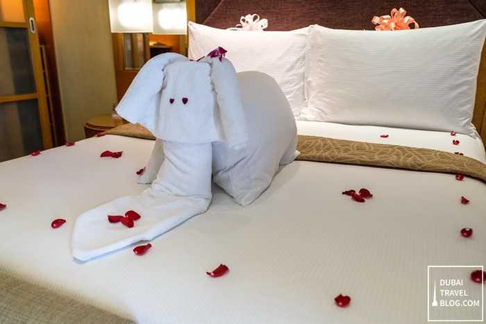 towel animal bedroom al raha