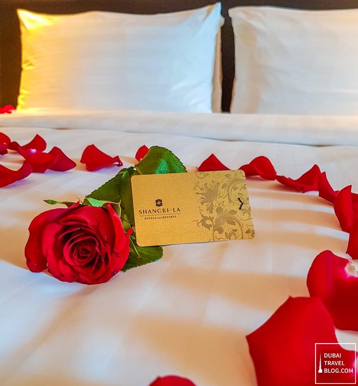 red rose petals in shangrila dubai