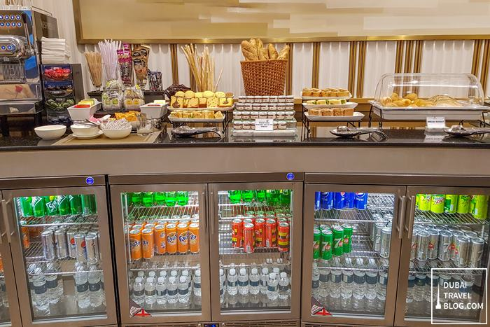 drinks at oman air premium lounge muscat