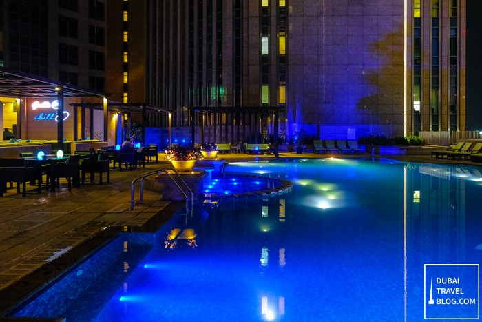 sofitel abu dhabi corniche pool night