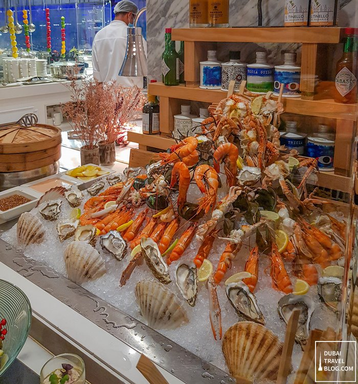 fresh seafood bar al dawaar dubai