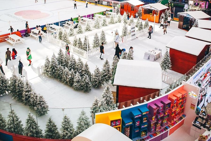 Dubai Ice Rink Stores