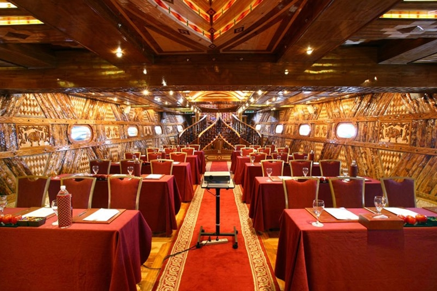 Rustar Floating Restaurant Basement