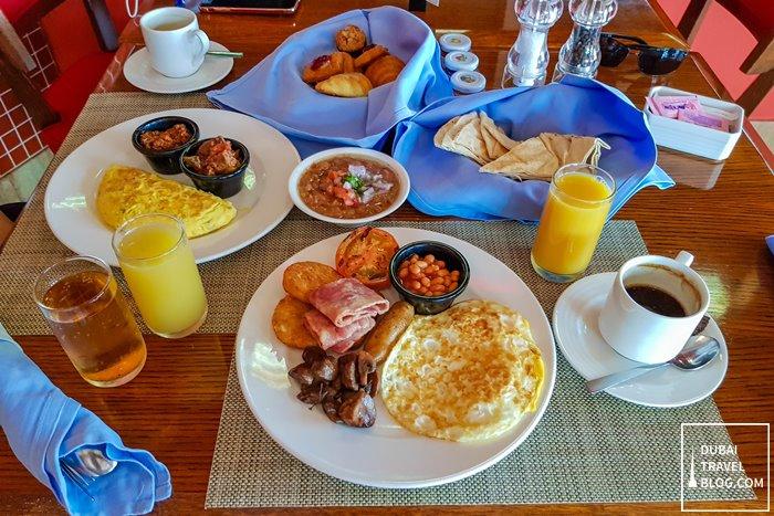 breakfast at amwaj rotana