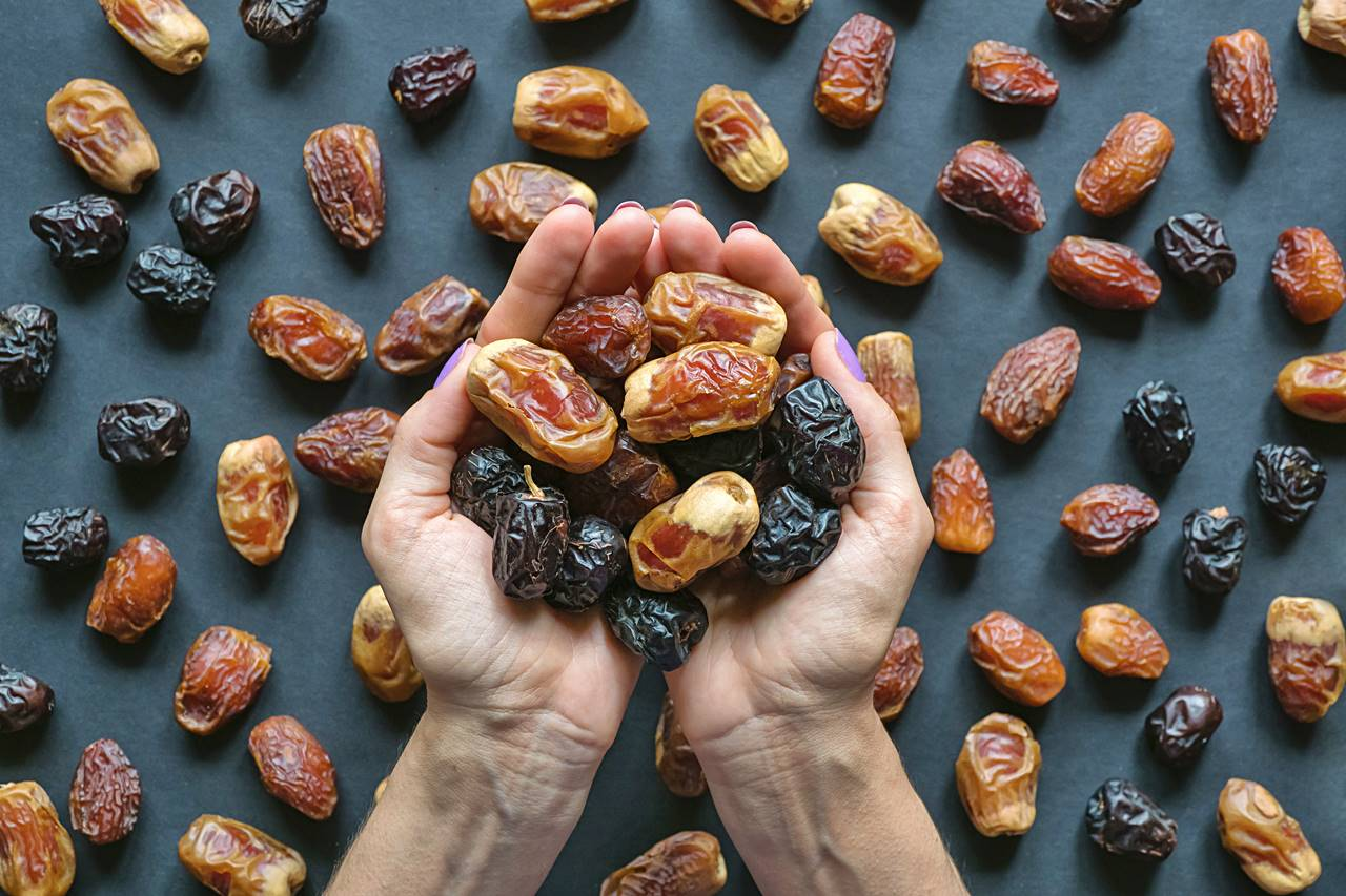 dried dates and where to buy them in uae